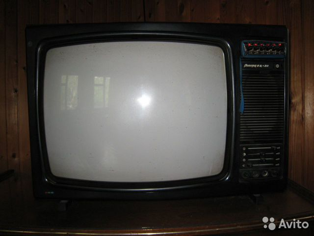 """Щёлкните для просмотра следующей фотографии.  Телевизор  """"Рекорд вц-311 """" ."""