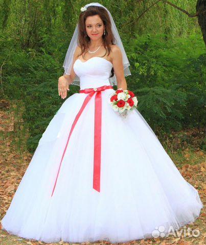 Фото свадебные платья с красным поясом