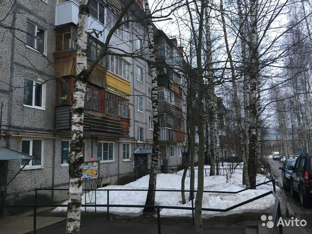 Продается двухкомнатная квартира за 2 800 000 рублей. г Сыктывкар, Октябрьский пр-кт, д 47.