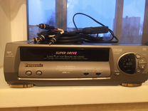 Видеокассеты с фильмами + видеоплейер