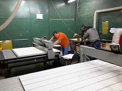 Работа на заводе спб для девушек работа в светлограде для девушки